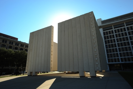 Kennedy-Memorial-front-view.jpg