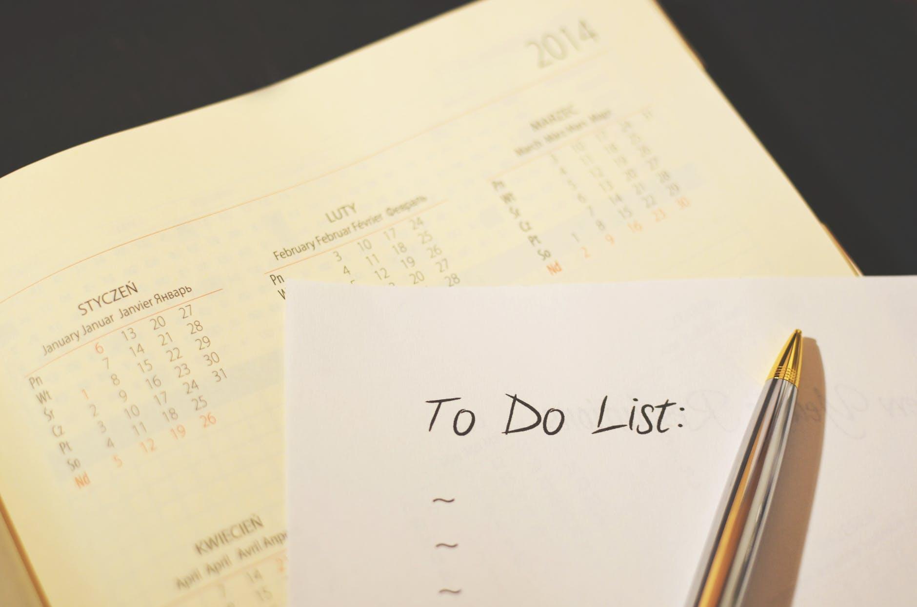 pen calendar to do checklist